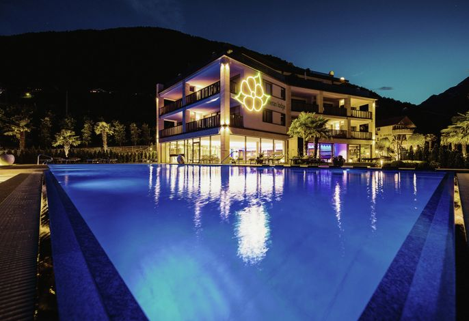 La Maiena Meran Resort by night
