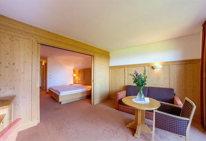 Neues Hotel inmitten der herrlichen Naturlandschaft der Dolomiten mit einzigartigem Panoramablick im Herzen es Urlaubsparadieses Kastelruth-Seiser Alm