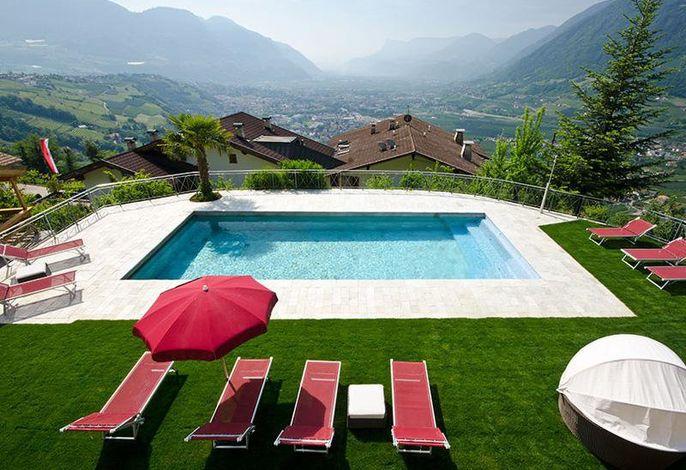 Panoramaschwimmbad Dorf Tirol