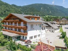 Dolomit Family Resort Alpenhof Rasen/Rasun
