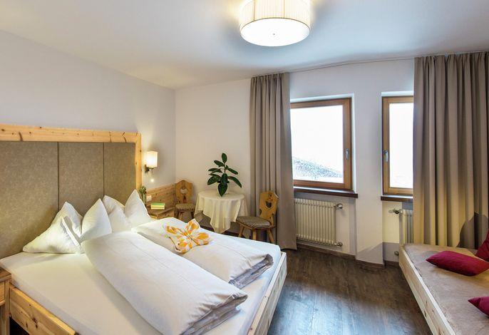 Unser kleines,familiengeführtes Hotelliegt an derSeiser Almund ist ein Garant für einen unvergesslichenUrlaub in den Dolomiten.