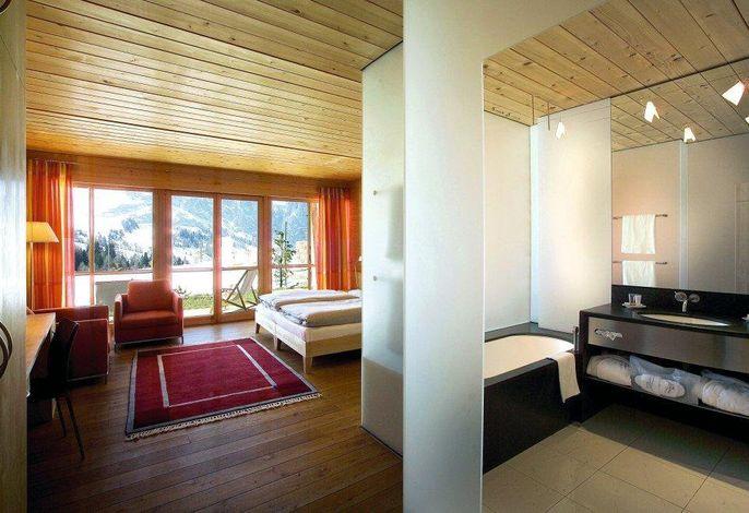 Ein Designhotel***** fast ganz aus Holz erbaut, eine einzigartige Kombination aus Luxus und gesundem Wohnen. Herzlich willkommen dort, wo's Ihnen gut geht!