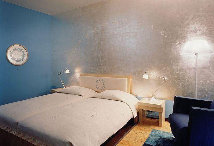 Standard Zimmer, Künstler Andrea Fogli