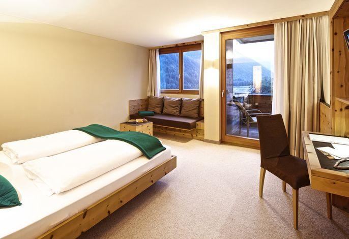 Das AROSEA Life Balance Hotel bietet heimelige Atmosphäre und großzügige Weitläufigkeit. Gehobene Qualität verbindet sich mit Gemütlichkeit und ist in allen Räumen spürbar.