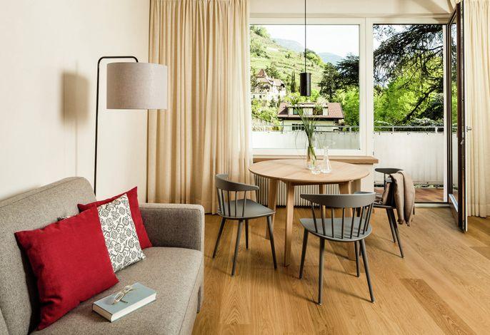 Ein Geheimtipp in Meran: luxuriöse, moderne Ferienappartements in einer wunderschönen  Jugendstilvilla mit Ansitzcharakter, zehn Minuten von der Altstadt entfernt und umgeben von Weinbergen.