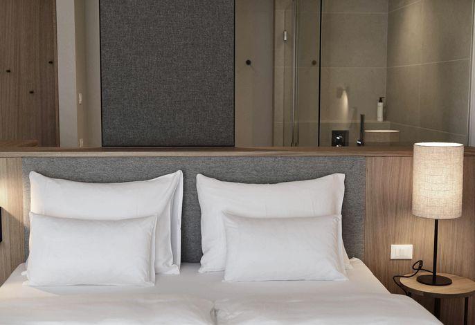 Unser familiengeführtes 4 Sterne Superior Hotel in Südtirol steht ganz im Zeichen vonGenuss und Slow-Foodsowieveganem Urlaub,Wandern,RadfahrenundWellness.Familien und kunstsinnige Genießer