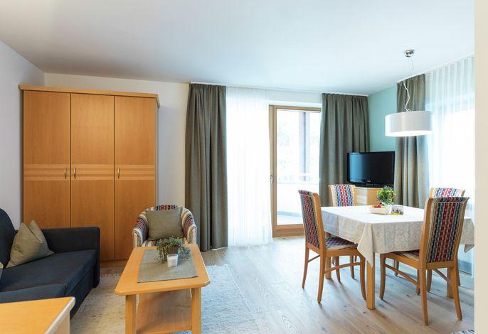 In der Residence Königswarte - Strata Hotel wohnen Sie in großräumigen 2 od. 3raumappartements, 35 - 85 m², in Miete oder Halbpension und genießen inklusive das Family Resort Rainer****s Angebot! Winner of Piper's Award 2008 for its unique Architecture
