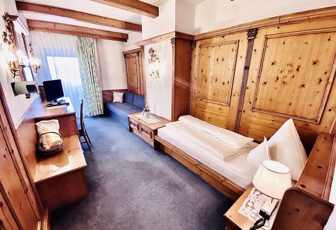 Herzlich Willkommen im Alpine-, Beauty- und Wellnesshotel Enzian.Genießen Sie Ihren Urlaub in unserem Hotel in Seis am Schlern in vollen Zügen und lassen Sie sich von der Bergwelt und der Landschaft Südtirols inspirieren###br######br######br###