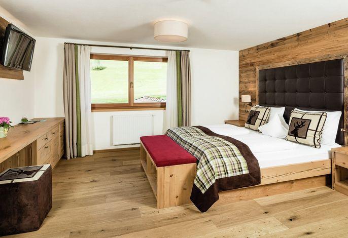 Eines der führenden Beauty- und Wellnesshotels in Südtirol, am Fuße des Kronplatzes. Das Haus mit besonderem Reiz. Geöffnet Sommer und Winter.