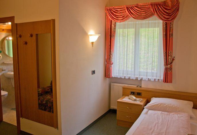 Neu renovierterfamiliärer Hotelbetrieb in schöner Panoramalage oberhalb von Seis und Kastelruth.