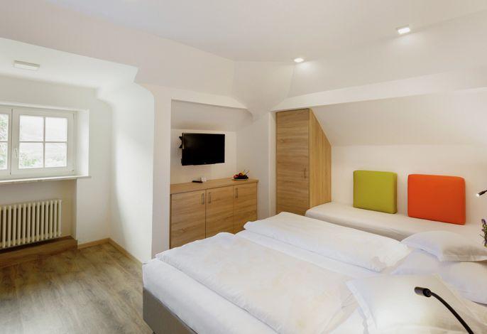 Das ***Hotel Kolping Meran - ganzjährig geöffnet - liegt in Obermais, dem schönsten Stadtteil von Meran, umgeben von herrschaftlichen Villen und alten Parkanlagen, nur 10 Gehminuten vom Stadtzentrum entfernt.