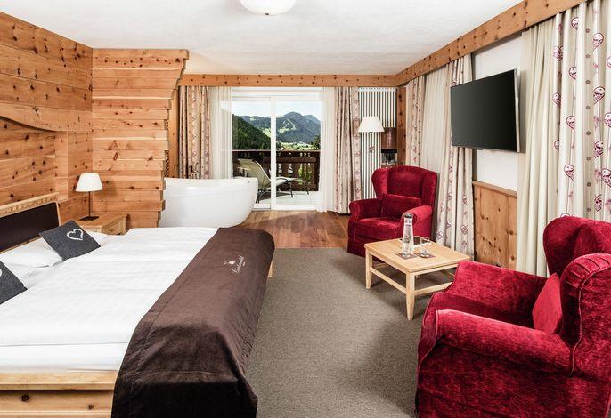 Willkommen, wenn Sie einen Urlaub inmitten der Natur, abseits von Zentren suchen sind Sie hier richtig.Südtiroler Tradition gepaart mit moderner Gastfreundschaft: genießen Sie familiäre Herzlichkeit und Geborgenheit.