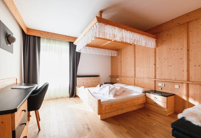 Active & Family Hotel Adlernest - Dein Familienhotel, Wanderhotel im Südtiroler Schnalstal - Wandern und Skifahren, wo schon Ötzi seinen Weg über die Berge suchte!