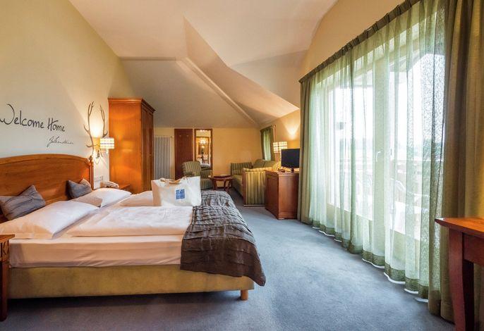 Ein Wellnesshotel, gelegen auf einem ruhigen Sonnenplateau inmitten der Südtiroler Berglandschaft. Aktiv geurlaubt wird beim großen betreuten Freizeit- und Bergsportangebot.