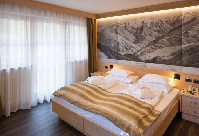 Willkommen im Hotel Somont in Wolkenstein! Eintauchen in eine blühende Vielfalt. Um aus uns selbst heraus Freude und Energie zu schöpfen. Grenzenlos. Von unaussprechlicher Fülle.