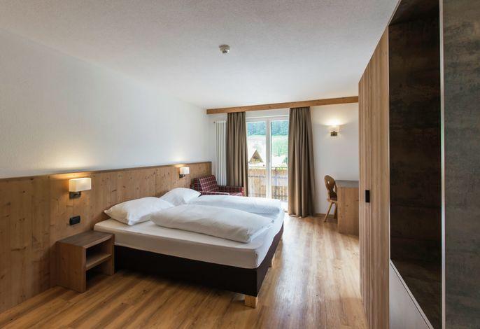 Familiär geführtes Hotel mit beachtlichem Komfort, a La Carte Restaurant, Wellnessbereich, vollautomatische Kegelbahn.