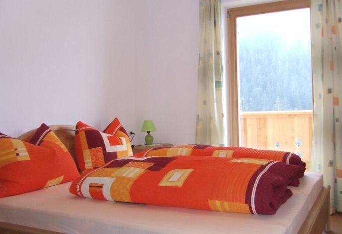 Sie werden sehen, Ferien bei uns auf 1.200 m in den Südtiroler Dolomiten eröffnen Ihnen viele wunderschöne Naturerlebnisse. Und wir im Matzhof erwarten Sie mit vielen Ideen für Ihren Sommer- oder Winterurlaub in den Bergen.