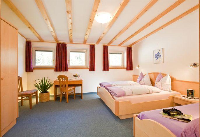 FW 6 - Schlafzimmer