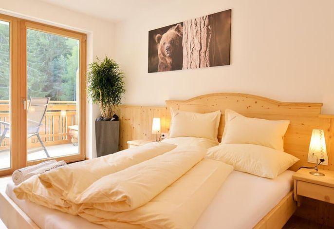 Idyllisch, in der Südtiroler Natur gelegen! Für all jene die Ruhe suchen und auf die Dienstleistungen eines Hotels (Hotel Torgglerhof nur 5 Automin. entfernt) nicht verzichten wollen...