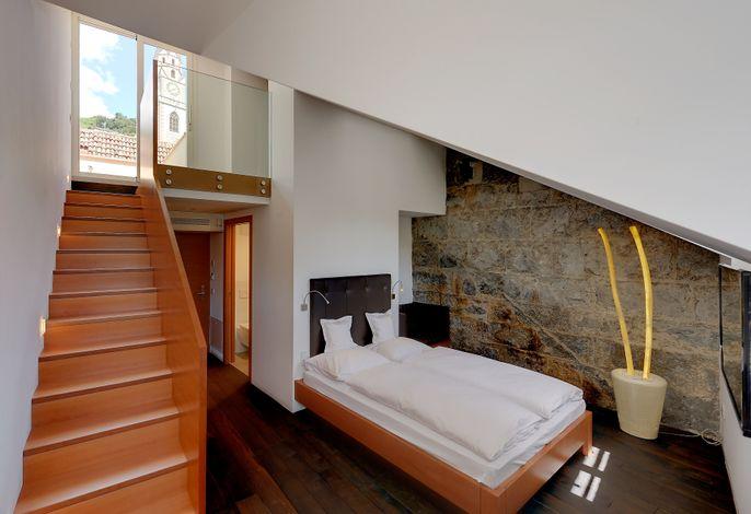Ein kleines, feines Haus mit großer Geschichte freut sich auf viele Momente der Gastfreundschaft und auf ein Wiedersehen mit Ihnen...
