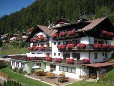 Alpine Appartements Waldheim Brixen
