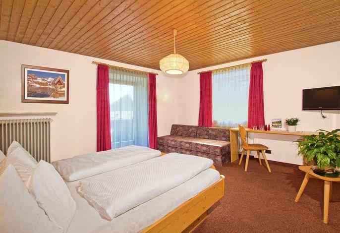 Wir sind ein gemütlicher Tiroler-Familien-Betrieb, in dem sich unser Gast sicherlich wohl fühlt.