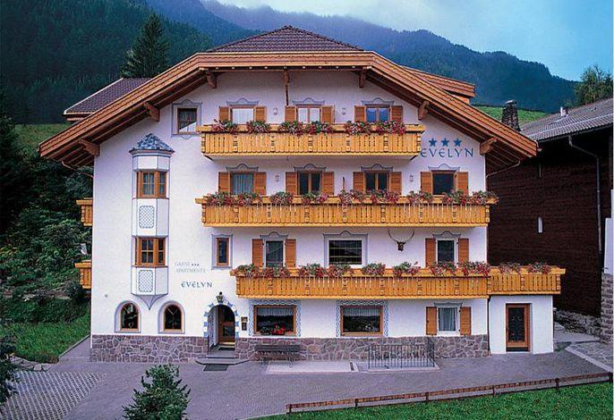 Garni-Hotel Evelyn