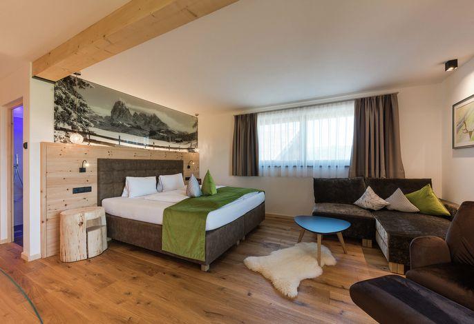 Familienbetrieb in sonniger, ruhiger Panoramalage. Gemütliche Aufenthaltsräume und komfortable Zimmer.