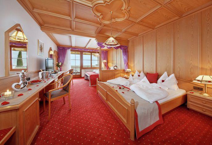 Zentral in schönster Süd-Panoramalage des Ortes gelegen bietetIhnen unser Hoteleinen überwältigenden Blick auf die Kurstadt Meran.