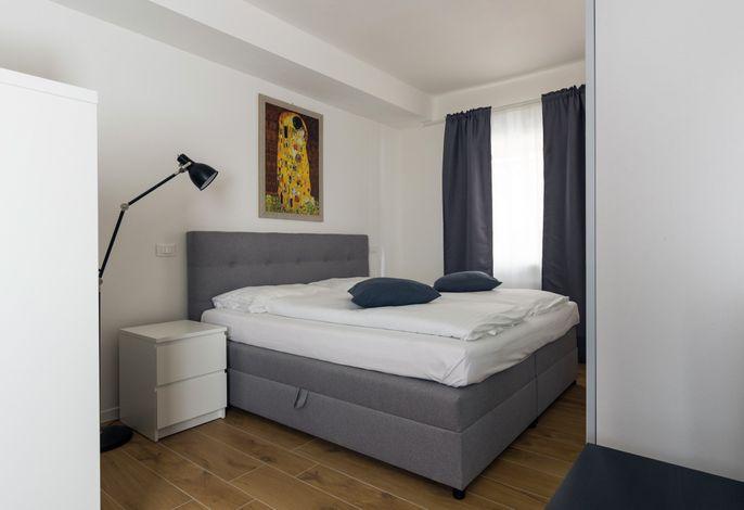 Inmitten der historischen und idyllischen Lauben von Neumarkt, bietet das Emotion Living Apartment Enjoy eine modern eingerichtete Ferienwohnung mit allen wichtigen Standards.