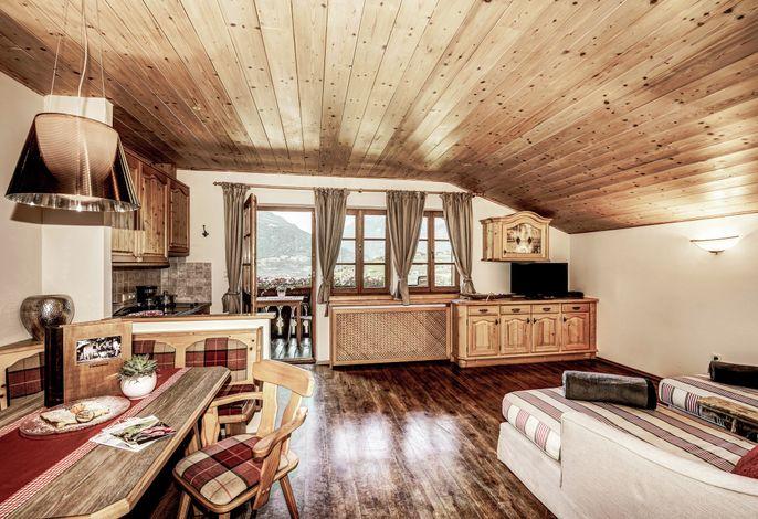 Der Hosler am Oberhaslerhof wird ein neues Garni auf den Hügeln Meran's. Mit Hof-Apartments, extra leckeremHof-Frühstück, Schwimmbad zum Planschen, Weinterrasse zum Süffeln, Gemüsegarten zur Selbstbedienung,...