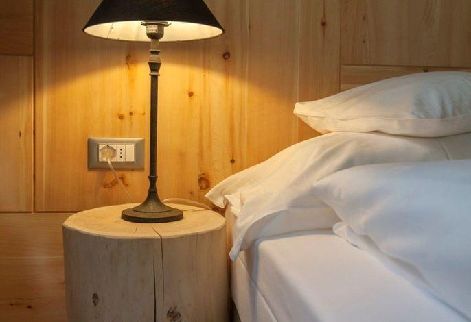 Unsere schöne Landhaus-Dependance bietet Ihnen ruhigen und erholsamen Schlaf - und das im Zentrum Südtirols.