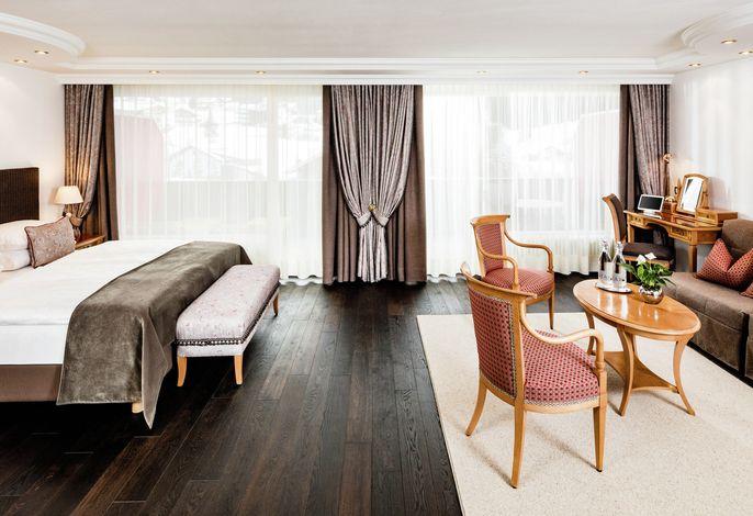 A Member of The Leading Hotels of The World - Eingebettet in der exklusivsten Dolomitenoase bietet unser Haus ein ideales Ausgangszentrum für die interessantesten Spazierwege, Wanderungen und Skitouren.