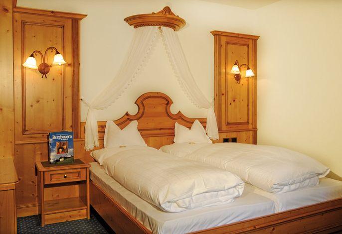 Alpine Lifestyle mitten in den Dolomiten! ###br###Charmantes Ambiente und herzliche Atmosphäre - im Hotel Alpenblick in Sexten!