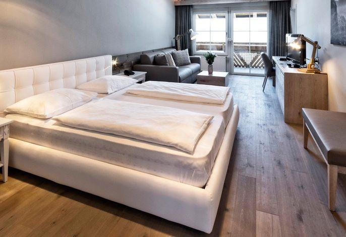 Verbringen Sie Ihre Urlaubstage im Hotel Sunnwies in Schenna bei Meran. Unser 4-Sterne-Hotel mit neuen Suiten ist das richtige Domizil für Genießer, Feinschmecker und Träumer.
