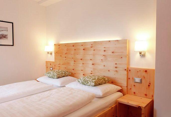 Direkt im Dorfkern von St. Vigil in Enneberg gelegen, bietet die Christophorus Mountain Residenz ihren Gästen nach einem kompletten Neubau insgesamt 15 Ferienwohnungen für den individuellen Wohlfühlurlaub.