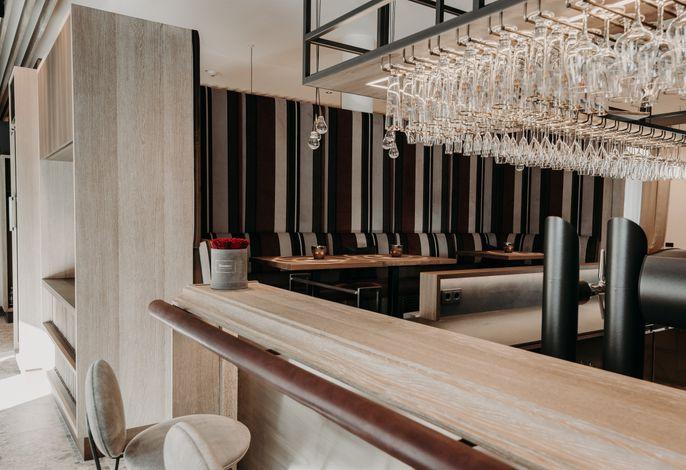 ZumOxn Hotel & Restaurant