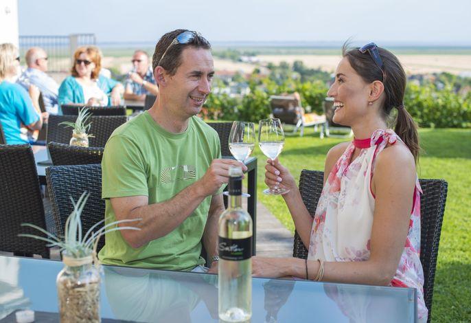 Weingut & Pension zum Seeblick Familie Sattler