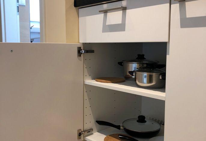 Select Suites & Aparts