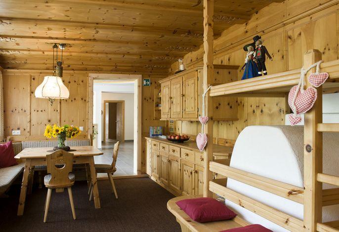 Martina Breakfast Lodge