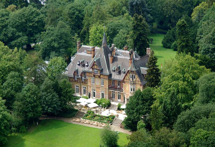 Villa Rothschild Autograph Collection