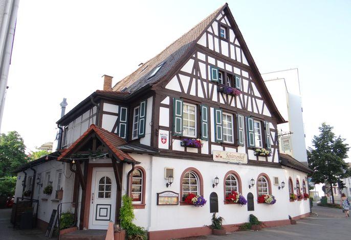 Schützenhof mit Loungegarten Landhotel
