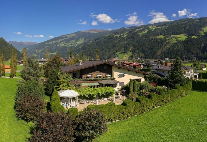 BOUTIQUE Hotel Garni Landhaus Säumler Familie Haidacher