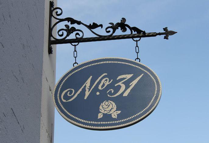 No. 31  Bed & Breakfast Im Rosengarten