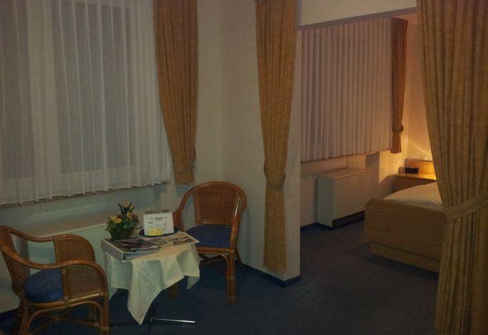 Zur Winzergenossenschaft Hotel-Pension