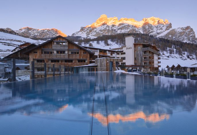 Fanes 4****s Dolomiti Wellness Hotel
