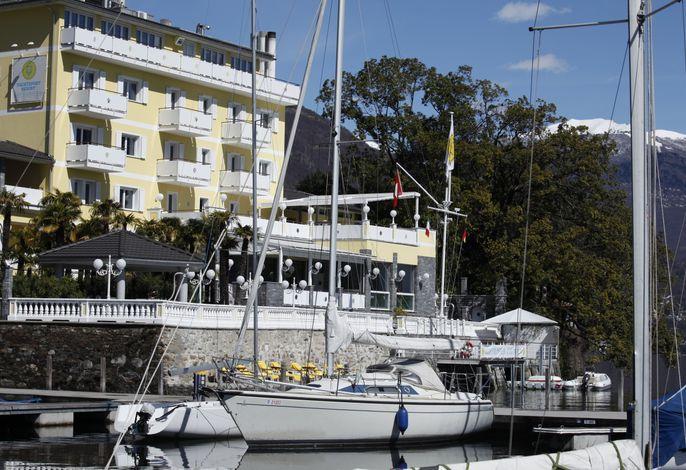 Yachtsport Resort