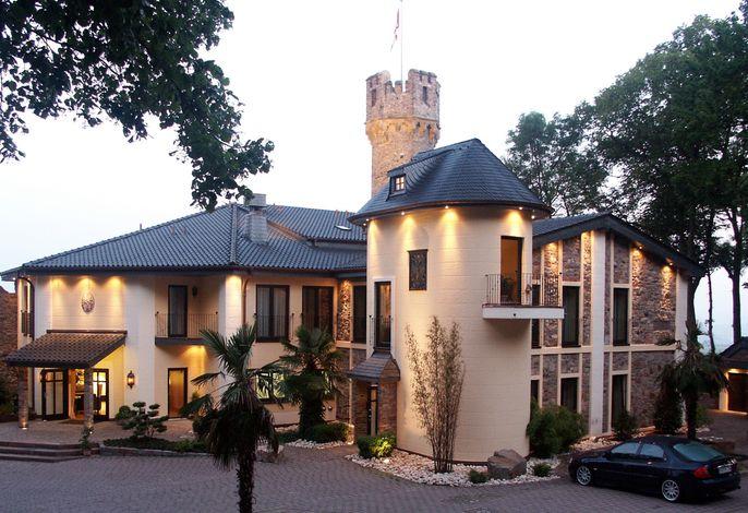 Burg & Gästehaus by Schwarzenstein