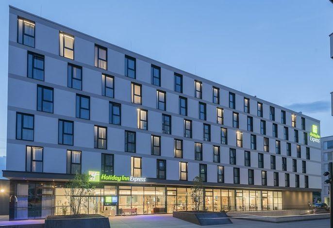 Holiday Inn Express Freiburg - City Centre - Freiburg / Freiburg und Umland