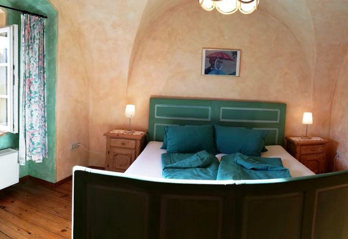 Elternschlafzimmer, bunt, Gewölbe, Vollholz, lieblich, märchenhaft